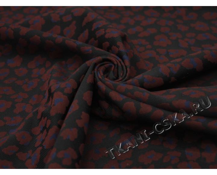 Костюмная чёрно-бордовая Цветы