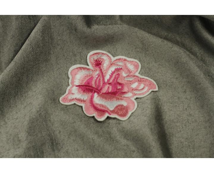 Цветок розовый декоративный