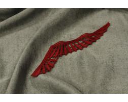 Элемент декора красного цвета