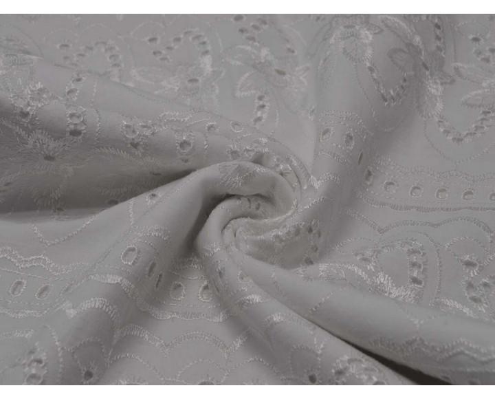 Шитье белое с цветами