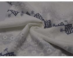 Шитьё  белое с синим геометрическим узором