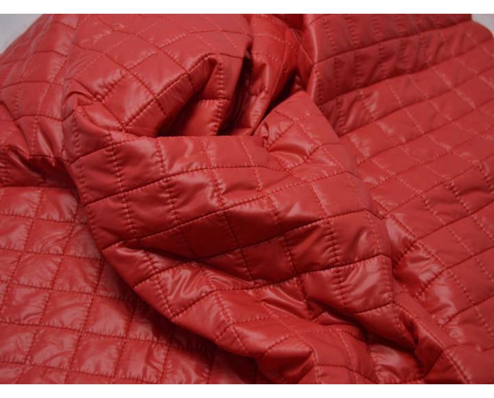 Курточная стеганая красная 00025