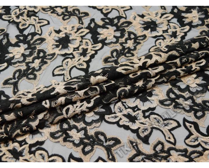 Сетка с вышивкой черные бежевые цветы