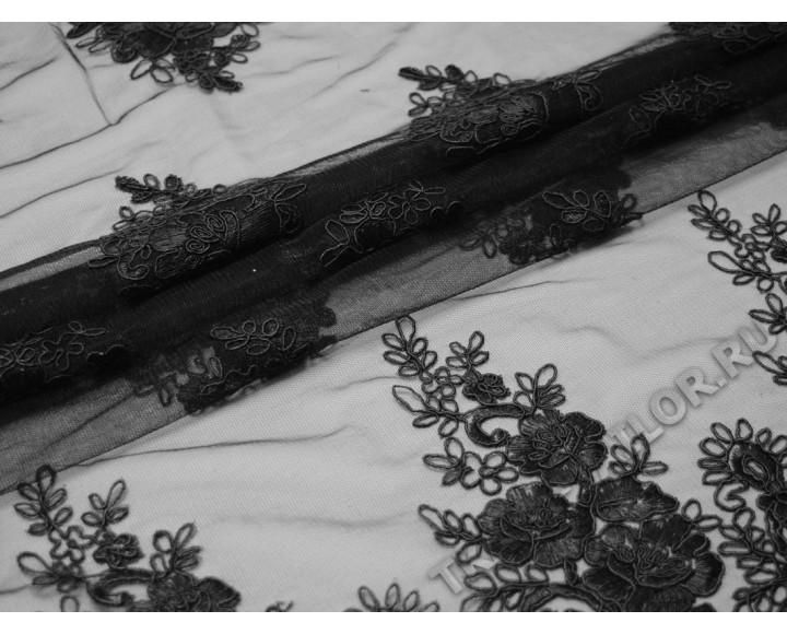Сетка с вышивкой черные цветы