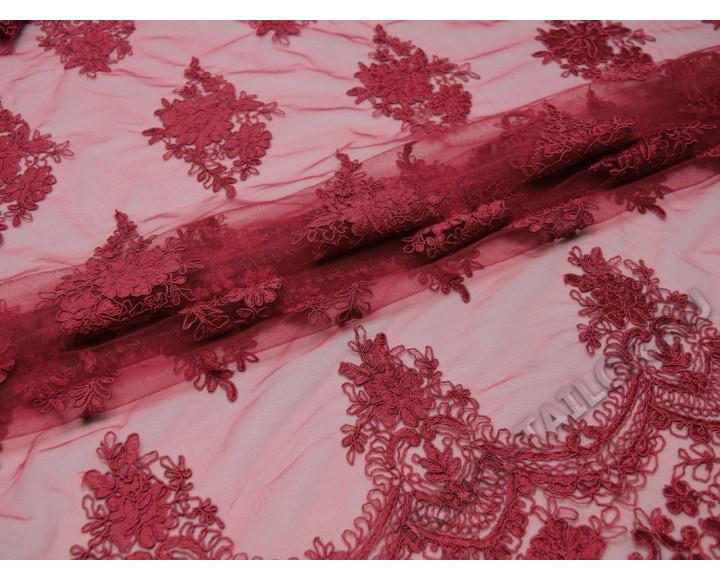 Сетка бордовая с цветочной вышивкой