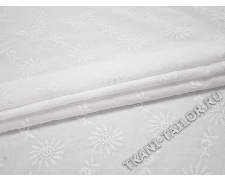 Шитье белое с цветочным рисунком