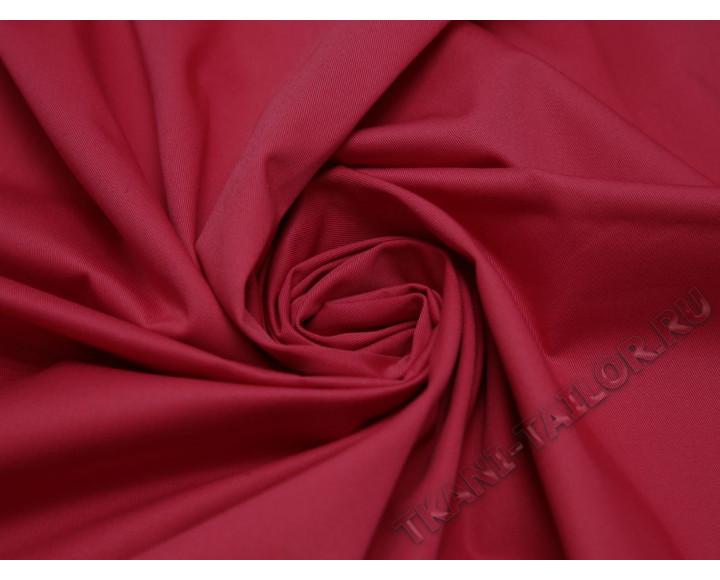 Костюмная ткань красная